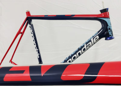Reprise de peinture cadre de vélo