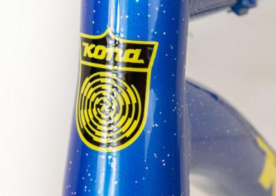 logo couleurs custom sur un fatbike Kona Wo