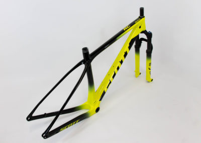 Peinture custom vtt scott jaune Scale RC world cup